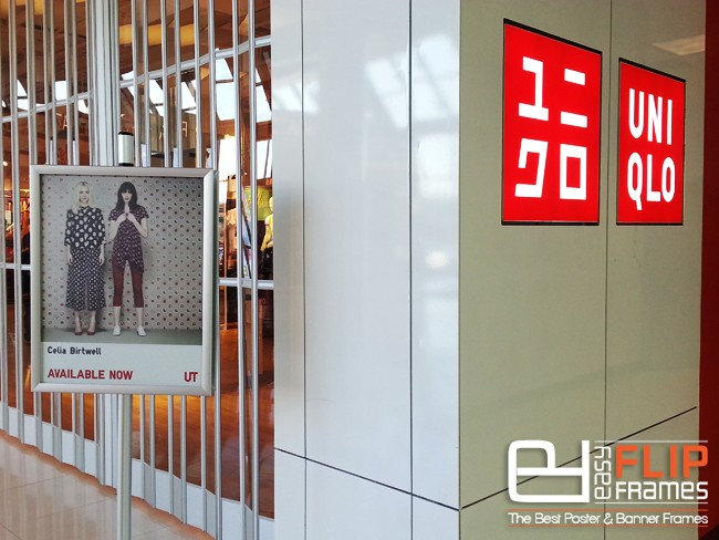 Uniqlo Clothing Brand Double Sided Easy Flip Frames, Poster Frames, Ad Stands, Snap Frames, Aluminum Frames